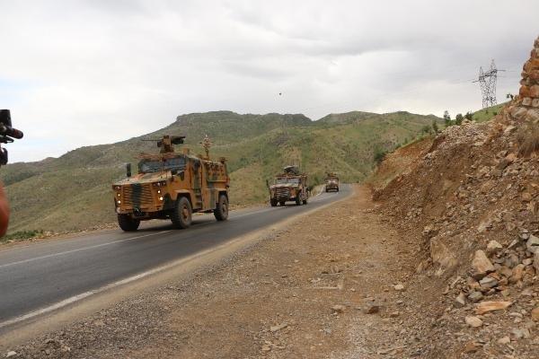 Özel birlikler sınırda! Hem havada hem karada askeri hareketlilik