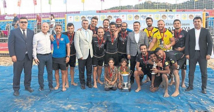 Plajda şampiyon Alanya