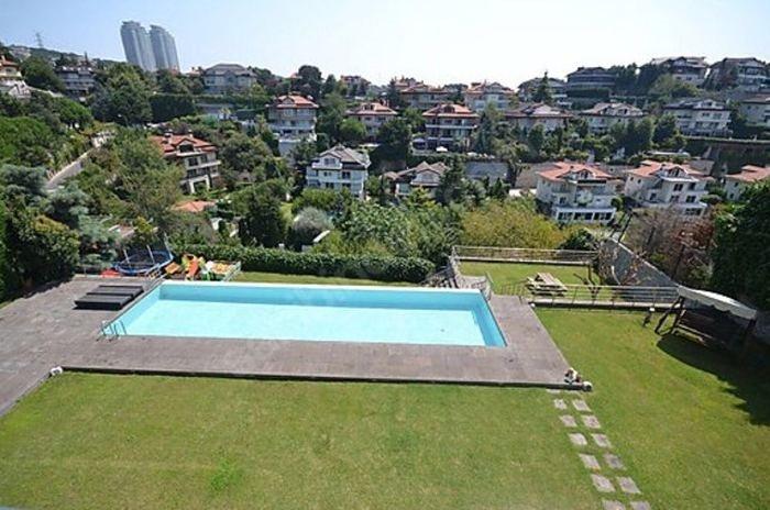 Semih Şentürk ve eşi Pınar Şentürk lüks villalarını satılığa çıkardı! Fiyatı dudak uçuklattı...