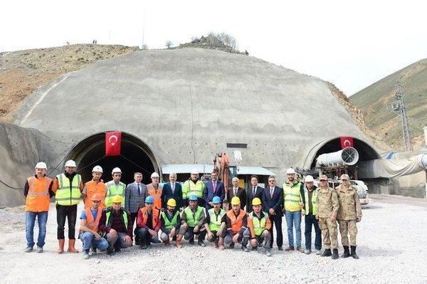 Türkiye'nin en büyük tünellerinden biri Eğribel Geçidi'ne yapılıyor