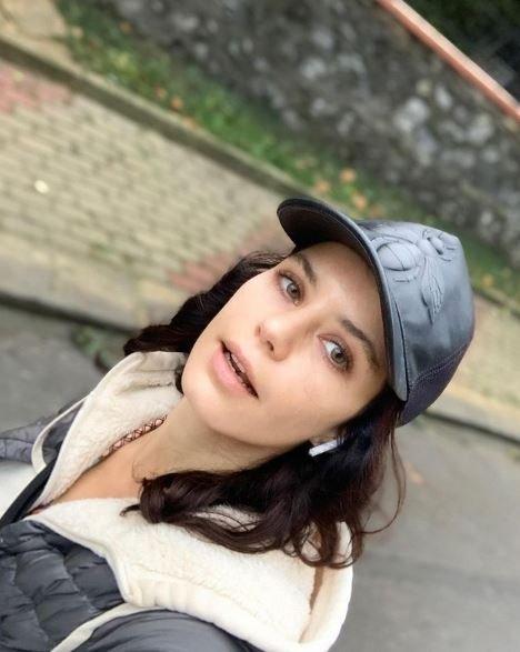 Beren Saat annesi Ayla Saat ile paylaşım yaptı sosyal medya yıkıldı! 'Güzelliğini ondan almış'