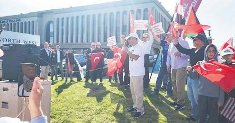 Los Angeles'ta Türk askerine destek gösterisi