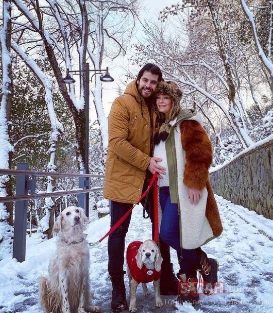 Doğum için gün sayan Özge Özder'den karnı burnunda poz: iki köpek, bir bebek ve biz