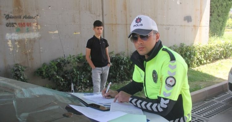 Adana'da Ceza yazdırmam diyen kişiye polisten 900 lira ceza