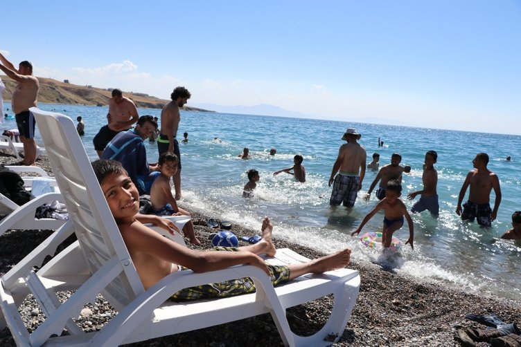 Denize kıyısı olmayan Türkiye'nin tek mavi bayraklı plajı!