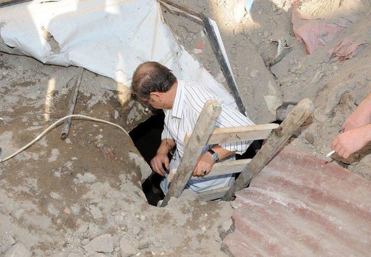 Kamyon çöktü, tarihi bina gün yüzüne çıktı