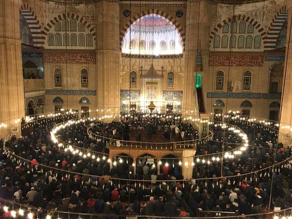 Regaip Kandili'nde camiler doldu