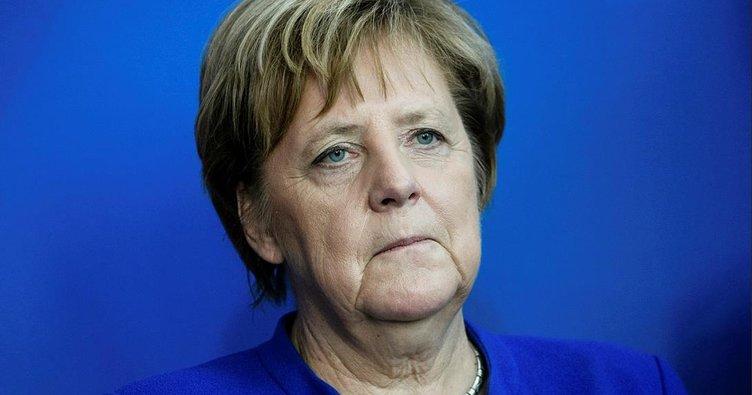 Almanlar Merkel hükümetinden memnun değil