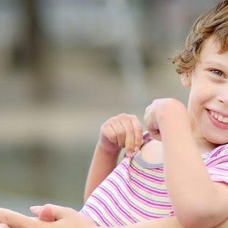Serebral palsi belirtileri nelerdir? Serebral palsi genetik mi? Tedavisi nasıl yapılır?