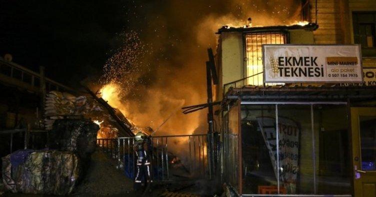 Başkentte pelet deposunda yangın