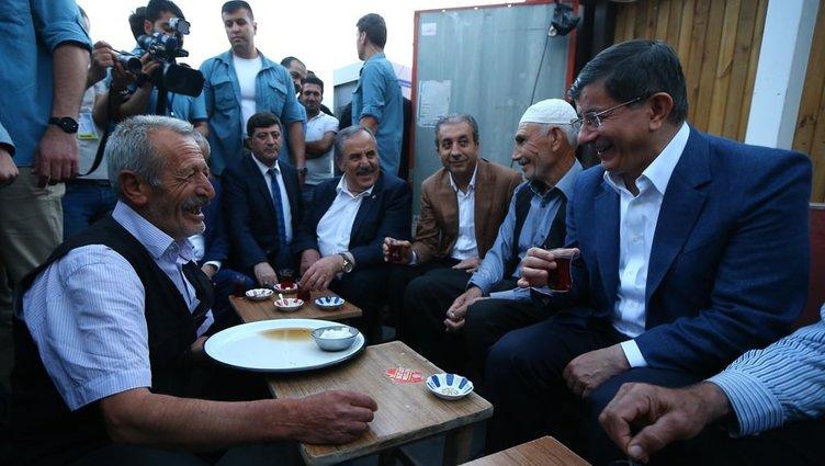 Başbakan Davutoğlu Diyarbakır'daydı