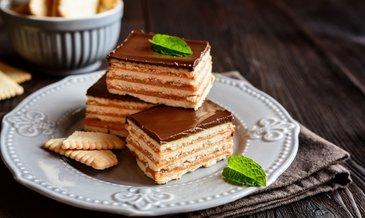 Kakaolu pudingli petibör bisküvili pasta nasıl yapılır? Bisküvili pasta tarifi burada