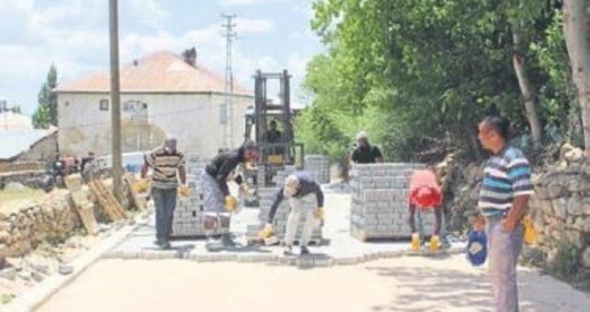 Tufanbeyli'nin sokaklarına 115 bin metrekare parke taşı