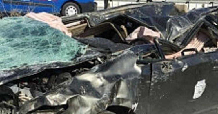 Afyonkarahisar'da otomobil şarampole yuvarlandı: 2 ölü