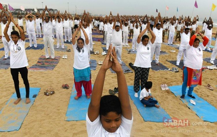 Son dakika haberi: Dikkat çeken fotoğraflar az önce servis edildi! 40 bin kişiyle yoga yaptı...