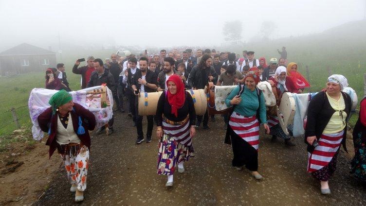 Karadeniz'de renkli göç!
