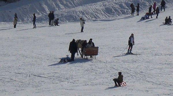 Cıbıltepe'de kayak ve kızak keyfi