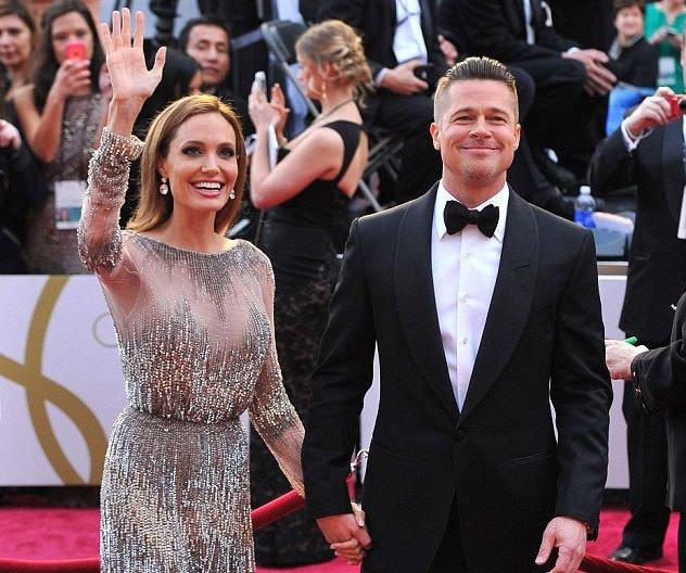 Brad Pitt - Angelina Jolie düğününden ilk kareler