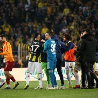 Fenerbahçe - Galatasaray derbisi soyal medyada sürüyor! Flaş paylaşımlar