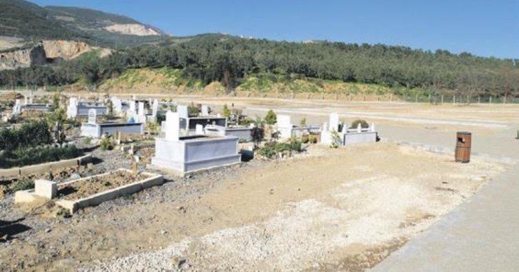 Yeni mezarlık defin işlemlerine açıldı