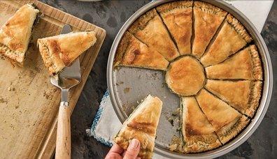 Ispanaklı Peynirli Arnavut Böreği