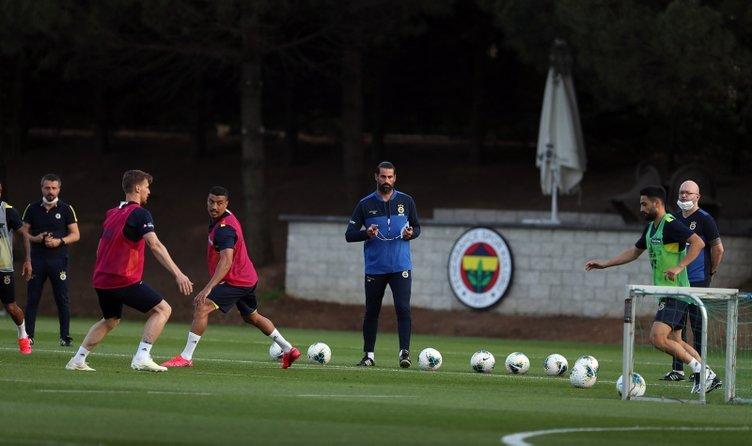Süper Lig'in golcü stoperi Fenerbahçe'ye! Takasla geliyor