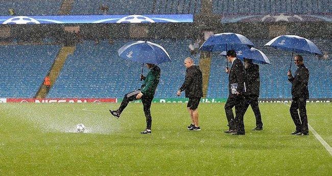 Şampiyonlar Ligi maçına yağmur engeli