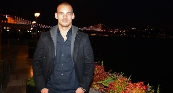 Sneijder Reina'da
