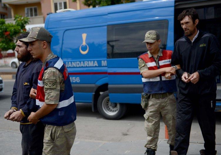 Kilis'te yakalandılar! Üzerlerinden çıkanlar şoke etti