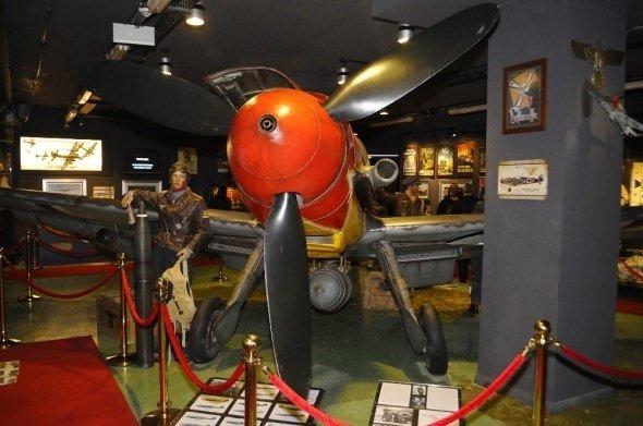 Hitler ordusunun efsane savaş uçağı İstanbul'da