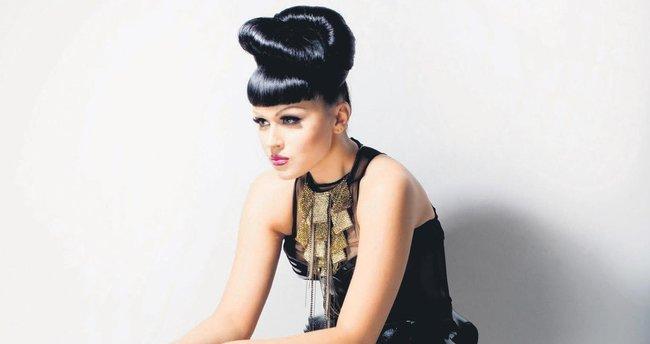 Viktoria Modesta Biyonik popstar