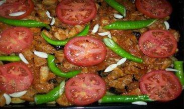 Fırında patlıcan kebabı nasıl yapılır? Fırında patlıcan kebabı tarifi...