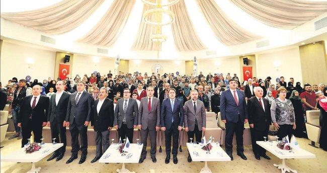 Başkan Ertürk mültecilerle buluştu