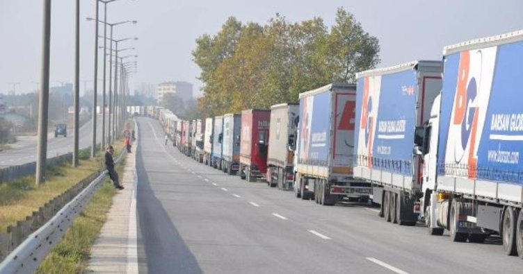 Karayolu taşımacılığında bürokrasi azalıyor