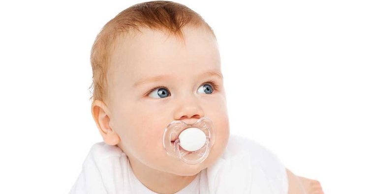 Emzik, bebekleri rahatlatıyor.