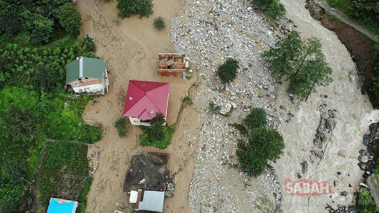 Rize'deki şiddetli yağış hayatı felç etti