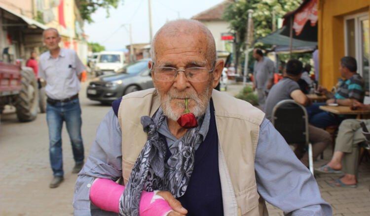 62 yıldır ağzında gülle yaşıyor! İhtiyar delikanlı Koronavirüse de meydan okuyor
