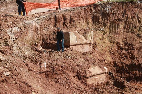 İnşaat kazısında Roma dönemine ait mezarlar çıktı