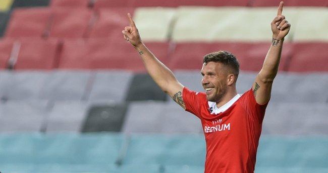 Antalyaspor'da Lukas Podolski ile yollar ayrılıyor
