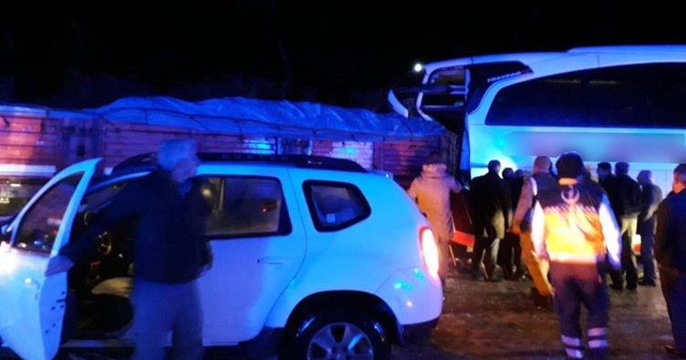 Son dakika: TIR ile otobüs çarpıştı, çok sayıda yaralı var