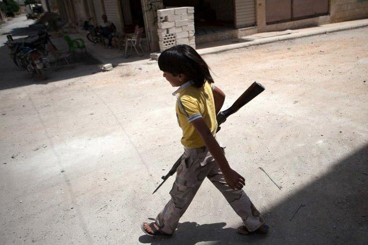 Suriye'de iç savaş 4. yılına giriyor