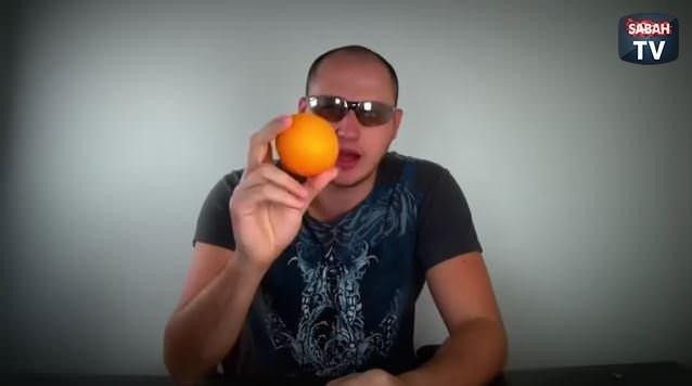 Portakal dağılmadan nasıl soyulur?