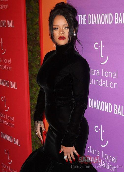 Rihanna hamile mi? Rihanna'dan aile büyükleri anısına düzenlediği gecede şok hareket!