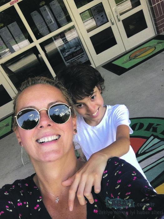 Ünlü spiker Sonay Dikkaya oğlu için Orlando'ya taşınmıştı! Sonay Dikkaya ve oğlu Şan'ı bir de şimdi görün