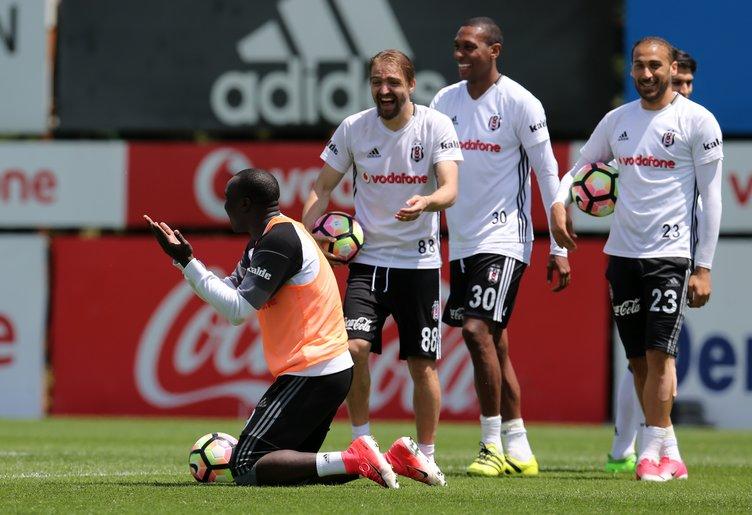 Beşiktaş'tan son dakika transfer harekatı! 2 oyuncu birden imzaya geliyor