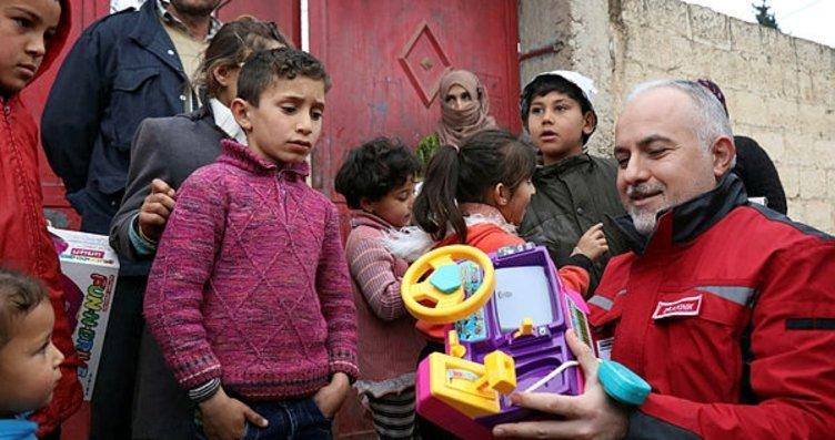 Terörden temizlenen köyde 'Türkiye' sevinci