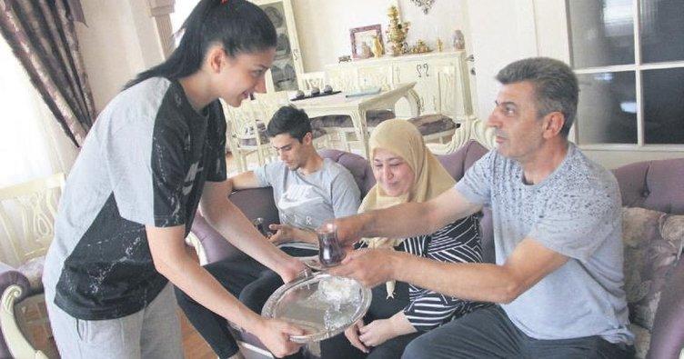 Nur Tatar: Madalyanın ardında aile saadeti yatıyor