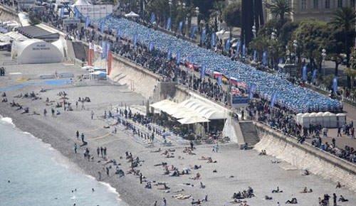 Çinli iş adamı 6400 elamanını Fransa'ya tatile götürdü