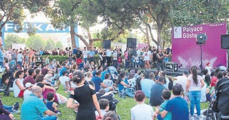 Festivale 15 bin kişi gitti