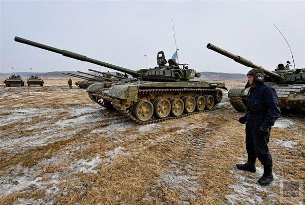 Rusya'da tank biatlonu yarışması